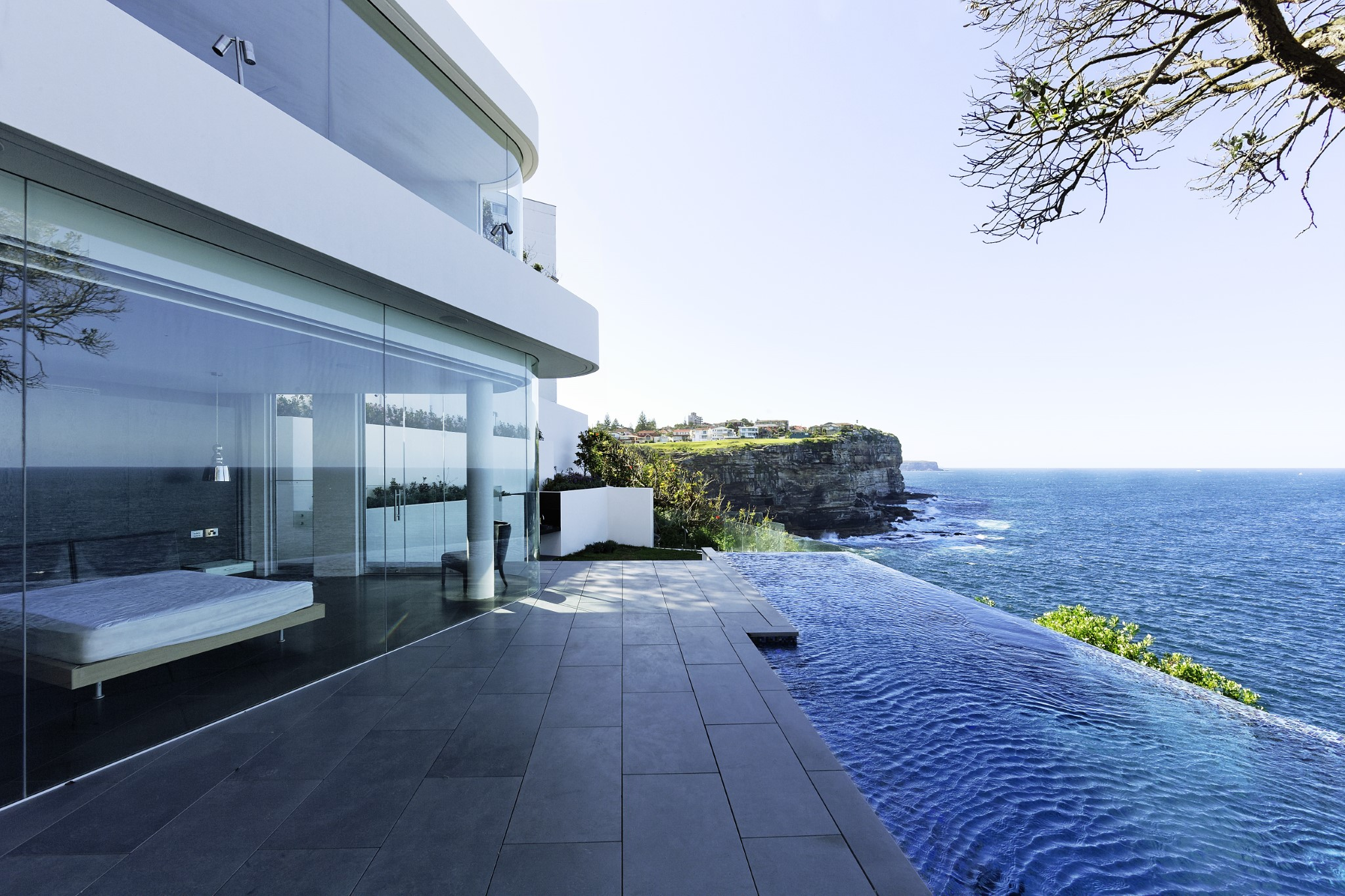 Private luxurious Infinite pool with an amazing seaview in Vaucluse