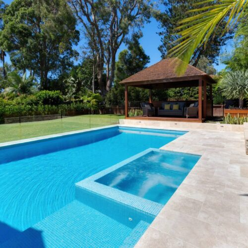 Beautiful pool with Spa in Elanora Heights